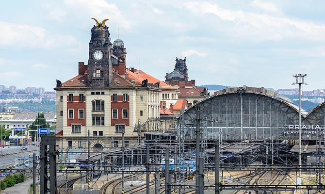 Чехия вышла на первое место в ЕС по распространению COVID-19