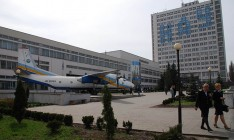 Уволенный за коррупцию экс-ректор Исаенко за счет НАУ покупал новые машины