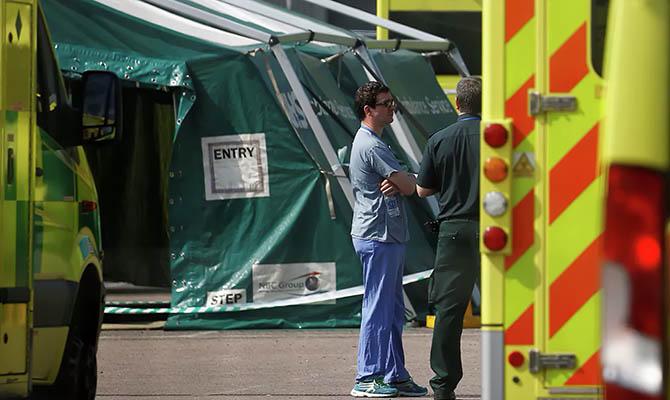 В Великобритании зафиксирован новый максимум смертей от коронавируса