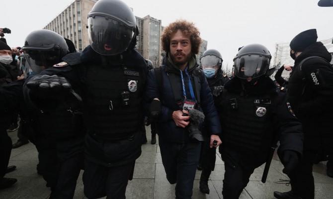 В Москве начались первые задержания на акции в поддержку Навального