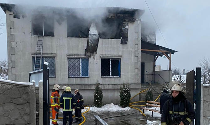 Число жертв пожара в доме престарелых в Харькове увеличилось до 16
