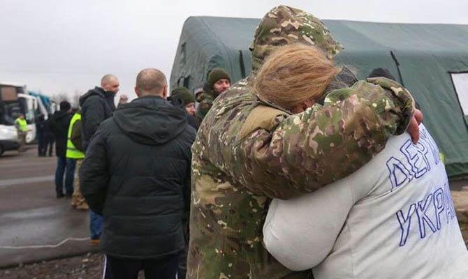 Власть ведет себя как враг своего народа, потому что делает все, чтобы помешать Медведчуку вернуть четырех украинок из ОРДЛО, - Розенбаум