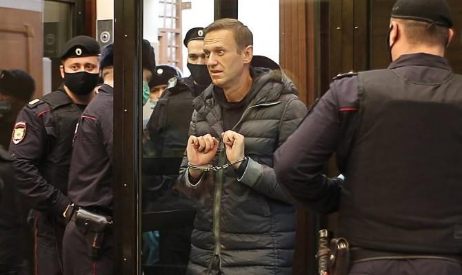 Навальному дали 3,5 года колонии общего режима