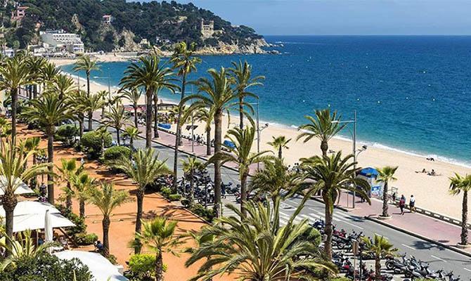 Испания приняла наименьшее число туристов за последние 50 лет