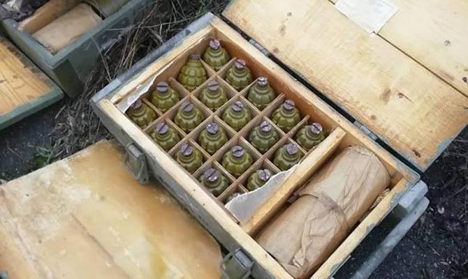 В Мариуполе нашли схрон с более 1,6 тыс. гранат и другим оружием