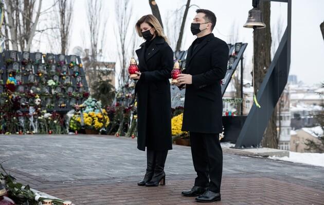Президент с супругой почтили память Небесной Сотни