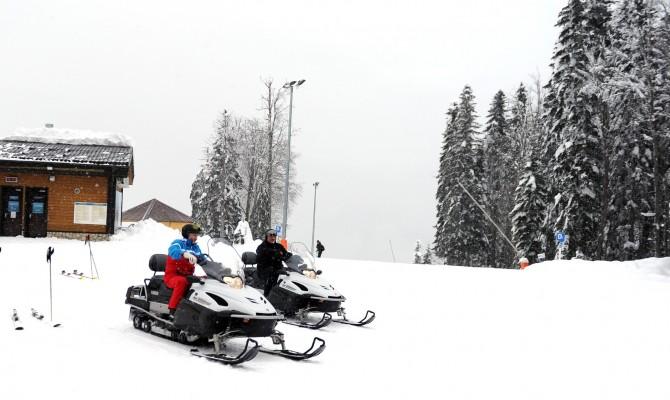 Путин и Лукашенко покатались на снегоходах и лыжах