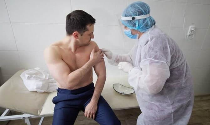 Владимир Зеленский вакцинировался индийской вакциной