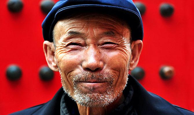 В Китае будут постепенно повышать пенсионный возраст