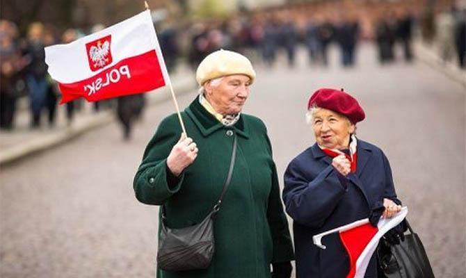 Польша расширяет карантинные меры на всю страну