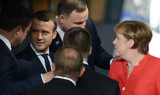 Меркель призвала страны ЕС к единой позиции по Крыму и Донбассу