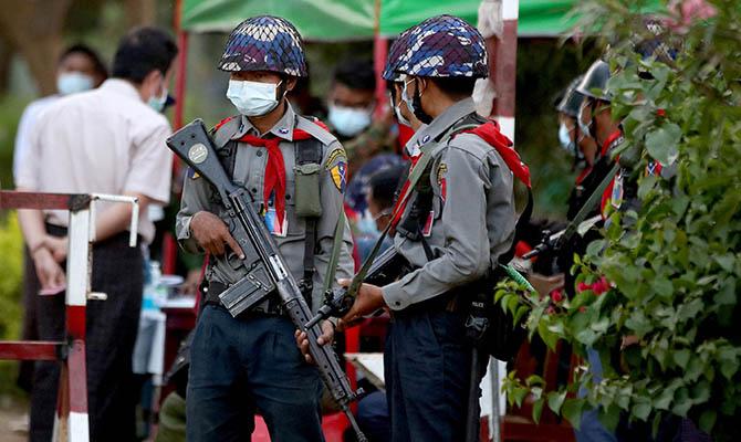 Число погибших в столкновениях в Мьянме достигло 564