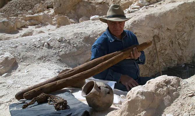 В Египте откопали затерянный в песках город времен фараонов