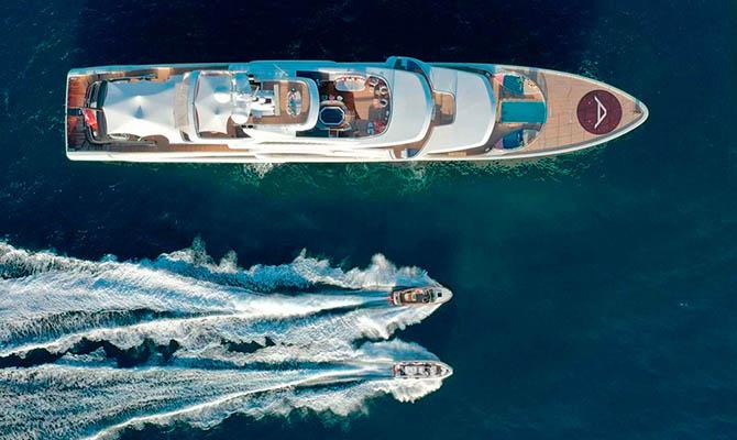 «Обедневший» Косюк распродает свои яхты