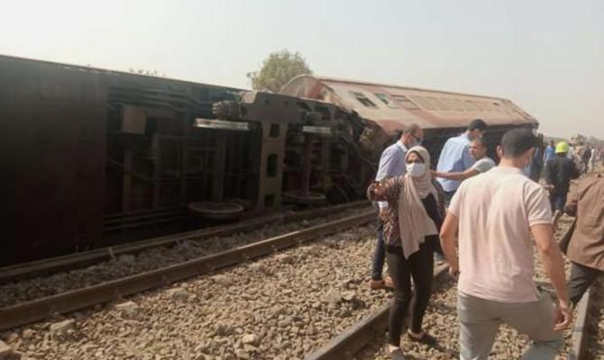 В Египте сошел поезд с рельсов: есть погибшие и пострадавшие