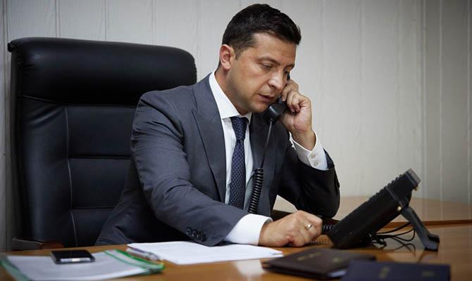Зеленский обсудил с премьером Словакии совместный погранконтроль и аэропорт в Ужгороде