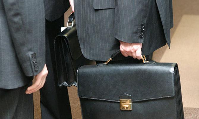 Шмыгаль обещает уменьшить количество чиновников