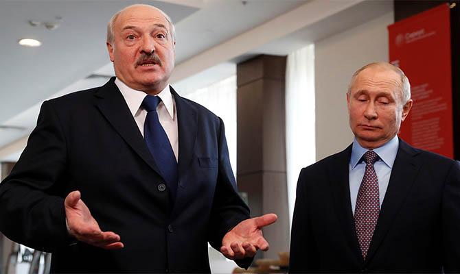 Лукашенко уверяет, что не обсуждал с Путиным слияние двух стран
