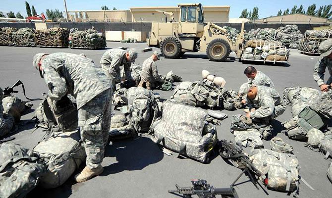 США и НАТО начали вывод военных из Афганистана