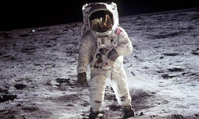 Умер астронавт из первой лунной миссии