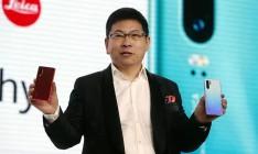 Продажи Huawei падают второй квартал подряд из-за санкций США