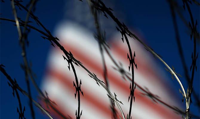США сворачивают строительство стены на границе с Мексикой