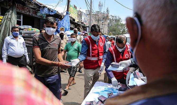 В Индии опять антирекорд по числу умерших от коронавируса