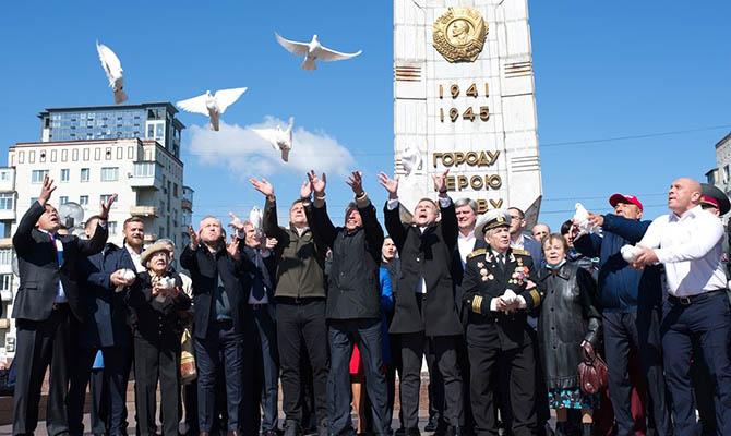 Виктор Медведчук: Мы боремся за сохранение исторической памяти и чтим подвиг воинов-освободителей, одержавших Победу в Великой Отечественной войне