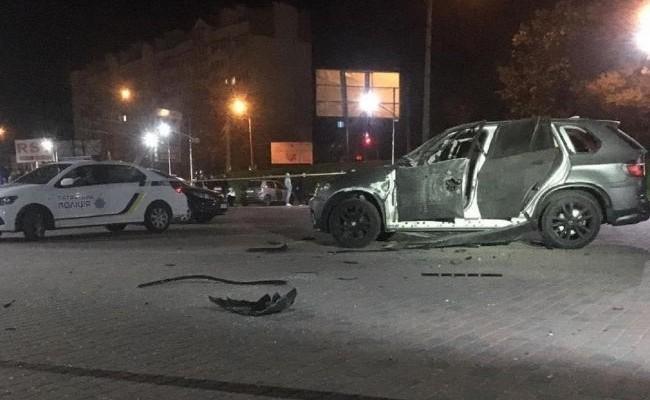 В Ивано-Франковске из гранатомета обстреляли автомобиль