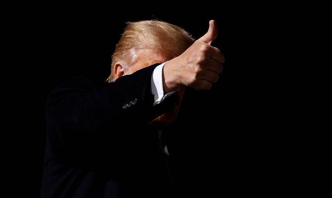 В США начали уголовное расследование в отношении главной компании Трампа