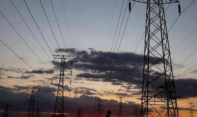 Из-за порывов ветра обесточены 108 населенных пунктов в 5 областях Украины