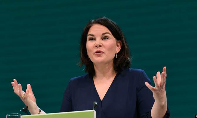 Кандидат в канцлеры ФРГ призвала ЕС ускорить введение санкций против Беларуси