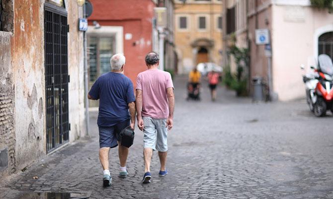 Первые три региона Италии сняли все введенные из-за коронавируса ограничения