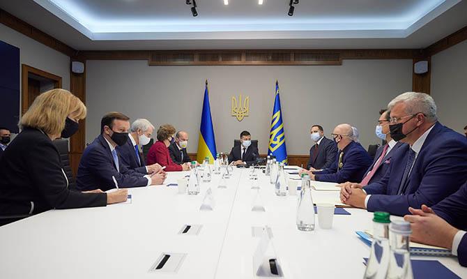 Зеленский провел встречу с сенаторами США