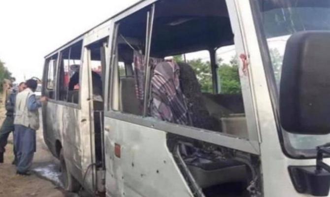 В Афганистане взорвался автобус с людьми: среди погибших есть женщины и дети