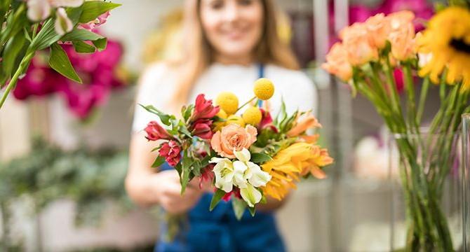 Почему доставка цветов - это выгодно?