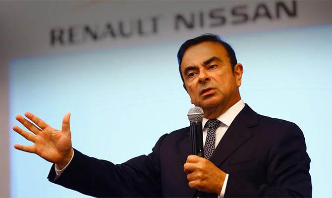 Двое граждан США признались, что помогли сбежать экс-главе Nissan