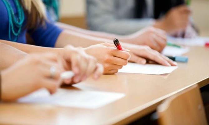 ВНО-2022: выпускники будут сдавать итоговую аттестацию по четырем предметам