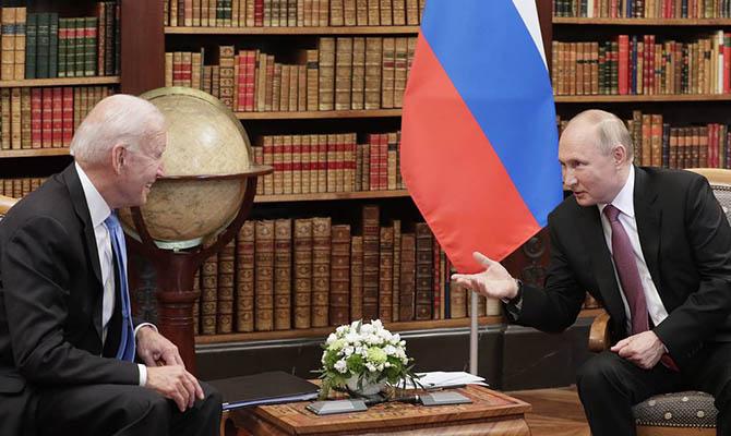Байден позвонил Путину поговорить про хакеров