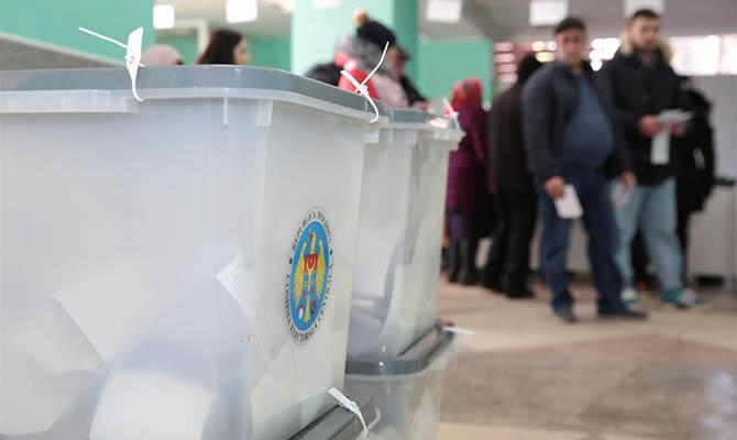 В Молдове сегодня проходят досрочные выборы в парламент