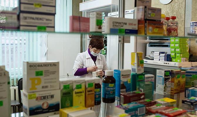 В Украине запретили продавать лекарства детям до 14 лет