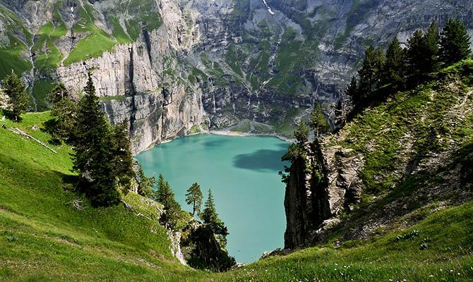 В швейцарских Альпах за 10 лет образовалось 180 новых озер