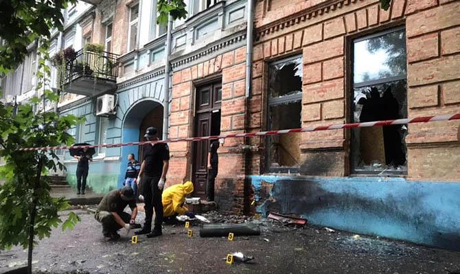 Полиция расследует взрыв в здании в центре Днепра