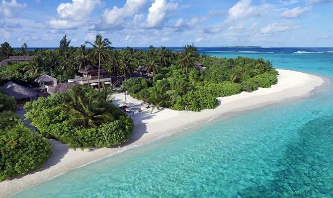 Власти Мальдив будут брать деньги за выезд с островов