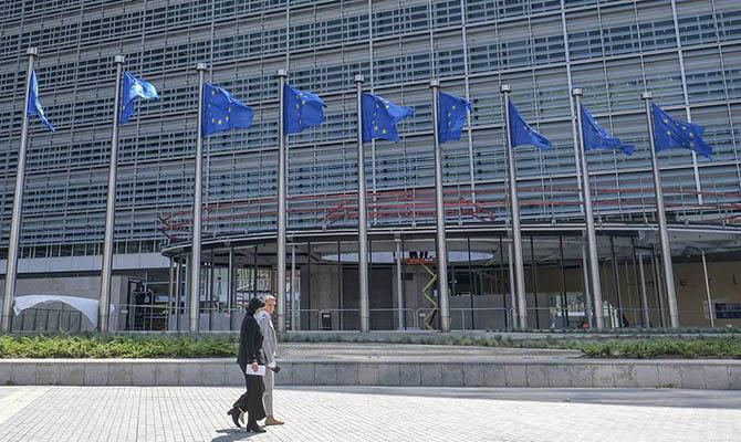 Главы МИД стран ЕС поддержали Францию по спору о подлодках